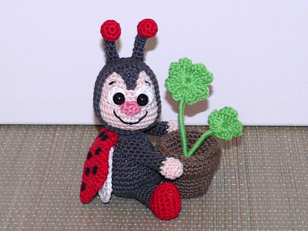 Häkelanleitungen für Muttertag Häkelanleitung Marienkäfer mit Blumentopf Amigurumi