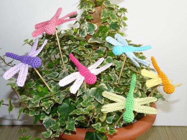 Häkelanleitungen für Frühling Häkelanleitung Kleine Libelle Amigurumi